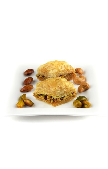 500 g Pistachio Baklawa Baklava Home Made Recipe Freshly Baked and Shipped UK